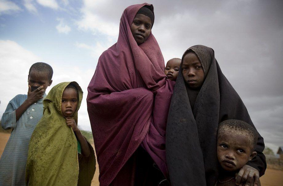 El Alto Comisionado, en solidaridad con el Eid, visita la región del cuerno de África