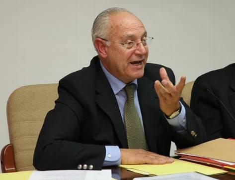 El grup socialista al Consell adverteix que Tadeo s'allunya cada cop més del  comprimís de reduir estructura política amb la primera crisi de Govern
