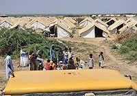UNICEF distribuye suministros de emergencia a los niños y familias afectadas por las inundaciones en Pakistán
