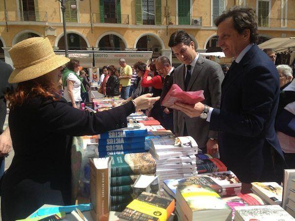 Mateo Isern celebra el Día del Libro con los vecinos de Son Gotleu y la Soledad