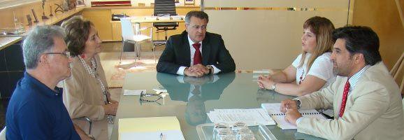 Reunió Tadeo, Juan Domínguez i Joana María Camps