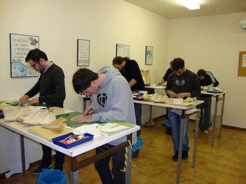 Estudiantes del curso de patronista