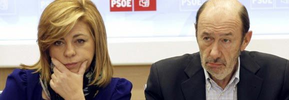 El secretari general, Alfredo Pérez Rubalcada, i la vicesecretària general, Elena Valenciano.