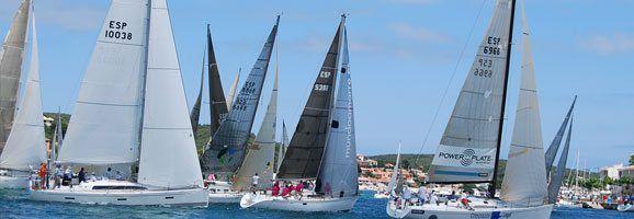 Momento de salida de la regata de Puerto de Mahón, segunda prueba de la XV Regata Menorca Sant Joan de cruceros