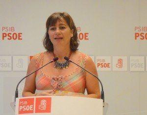 Francina Armengol, en roda de premsa, ha assenyalat que el Partit Popular, durant aquests dos anys, a retallat en drets, sanitat, educació i prestacions socials.