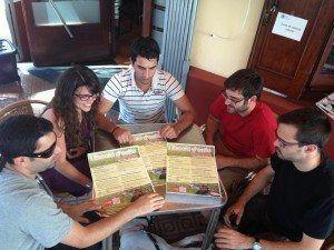 Fotografia de la Junta Executiva de les Joventuts Socialistes de Menorca.