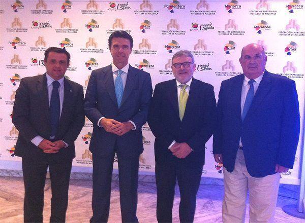 ASHOME participa en el encuentro con el Ministro José Manuel Soria, en un almuerzo organizado por la Federación Empresarial Hotelera de Mallorca