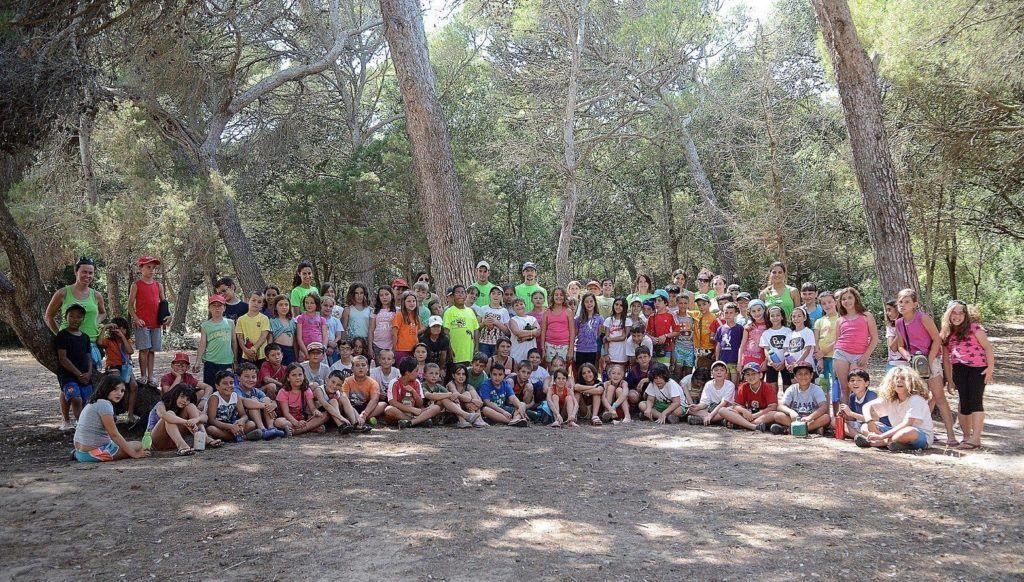 Fotografia de grup del Campament de Biniparratx 2013