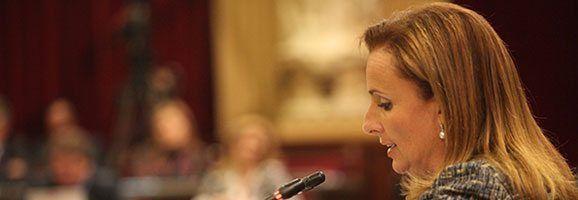 La portaveu del Grup Parlamentari Popular, Mabel Cabrer.