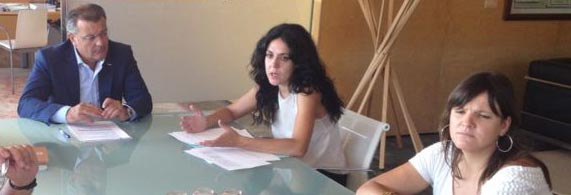 Sandra Fernández, consellera de Família i Serveis Socials del Govern Balear, visita a santiago Tadeo al Consell Insular de Menorca.