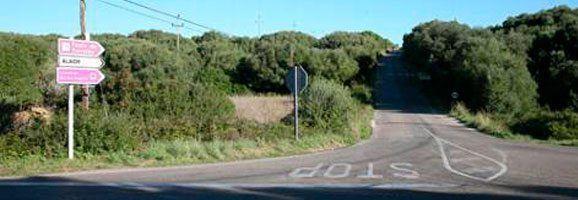 Camí de Torralba. Conecta la carretera de Sant Climent-Cala en Porter amb Alaior.