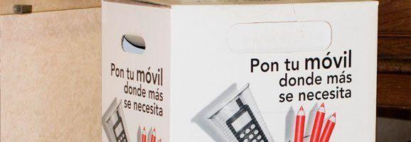 Buzón-móvil para la recogida de teléfonos, situados en las oficinas postales.