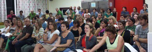 112 Pares i Mares van assistir a la Assemblea al Dr. Comas d'Alaior, preocupats per l'educació dels seus fills.