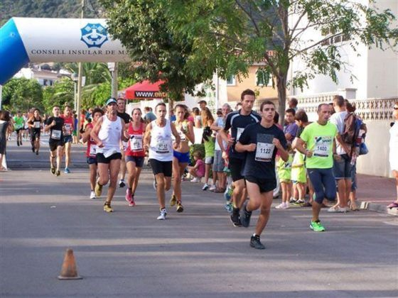Fotografia de la sortida dels participants d'una de les curses celebrades aquest estiu.