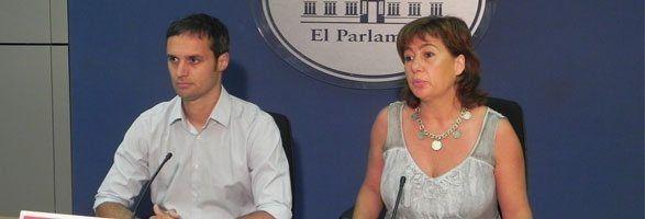 El diputat socialista Pablo Martín i la portaveu socialista Francina Armengol.