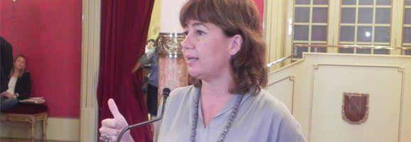 Francina Armengol declarant al Parlament.