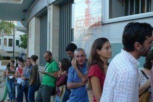Desde las 5:00 horas había enfermeras esperando en la puerta del COIBA.