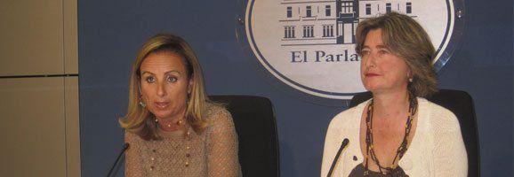 Mabel Cabrer y Asunción Pons.