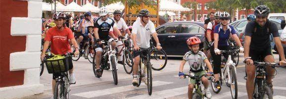 Petits i grans van disfrutar de la pasada edició de la Diada de la Bicicleta des Castell.
