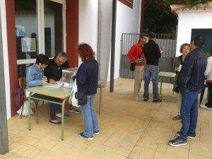 Els 124 pares i mares van pasar al llarg del matí per votar.