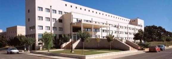 Fachada de la residencia de la Universidad de las Islas Baleares, en Mallorca.