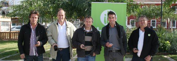 Testeo de la nueva área wifi de la Plaza del Ayuntamiento de Es Castell.