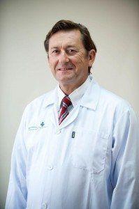 El Dr. Alejandro Fernandez Alonso de la Policlínica Virgen de Gracia de Menorca.