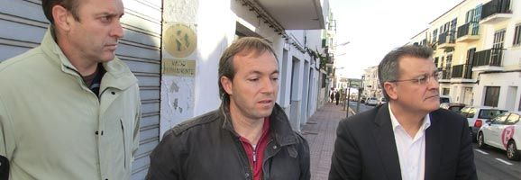 Santiago Tadeo, Luís Camps i Florencio Conde, presentant avui el carrer de Sant Josep millorat.