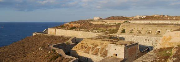 Uno de los dos talleres ocupacionales será realizado en las instalaciones de la Fortaleza de La Mola, en Mahón.