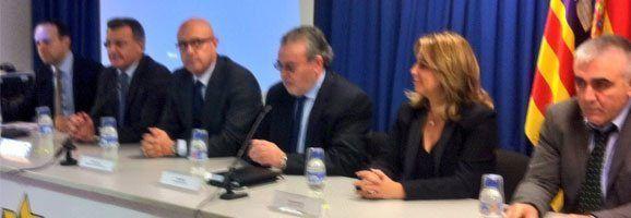 El presidente del Consell Insular de Menorca y la Alcaldesa de Maó han asistido también al encuentro empresarial en el que se han detallado todos los aspectos técnicos y las implicaciones medioambientales del proyecto.