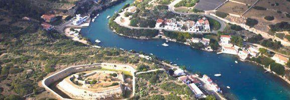 Imatge aèria de la Cala Sant Esteve del Municipi des Castell.