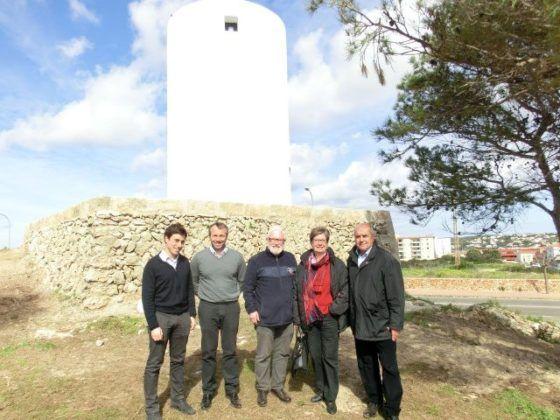 Luis Alejandre visità l'estat de les obres de rehabilitació del Molí des Castell.