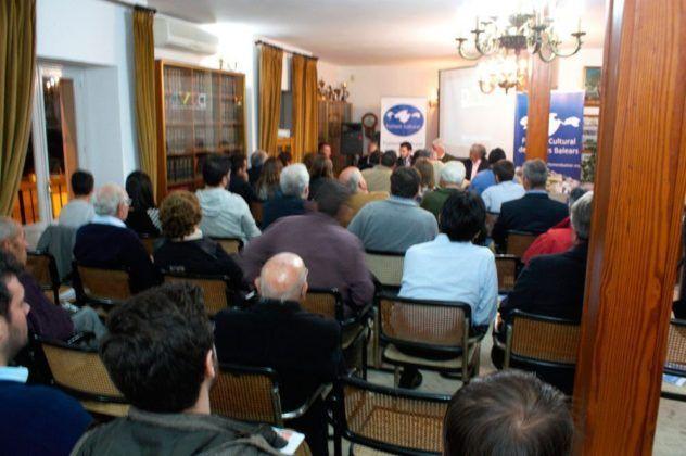 Presentació a Eivissa des Foment Cultural de ses Illes Balears (FCIB) i sa Revista Toc-Toc Balears, as Casino d'Eivissa.