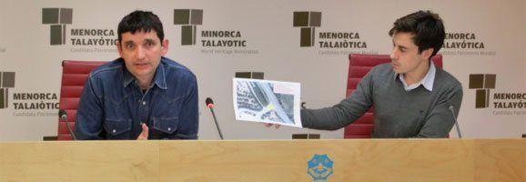 Fotografia de la presentació de l'informe de l'enginyer Rodrigo del Pozo.