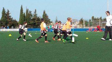 Cent Seixanta Joves es reuneixen per Practicar Futbol-6