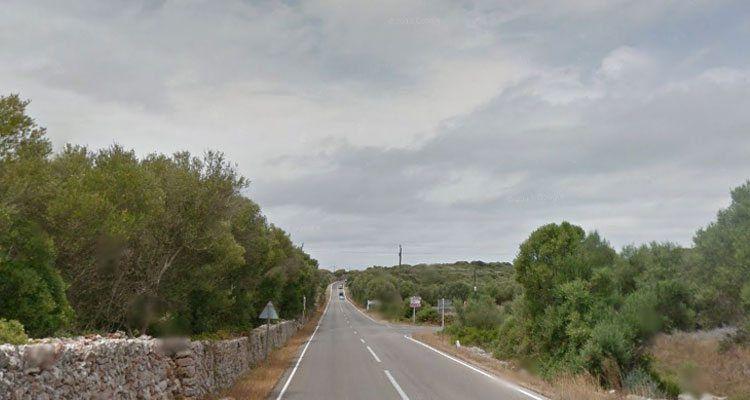 Carretera de Cala en Porter, intersecció amb el Camí de Torralba, abans de les obres de millora.