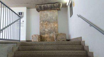 S'instal·len Rèpliques de Taules Menorquines
