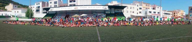Fotografía de grup dels participants a la Festa Xala Jugant 2014.