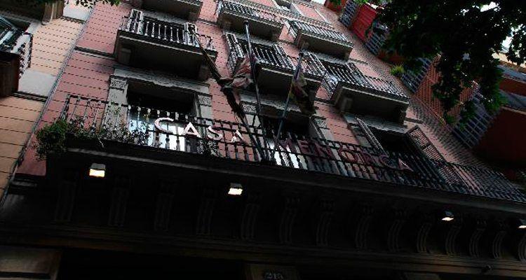 Façana de la Casa de Menorca a Barcelona.