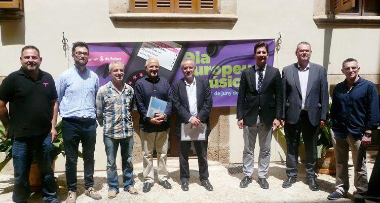 El teniente de alcalde de Cultura y Deportes del Ayuntamiento de Palma, Fernando Gilet, afirma que las calles y lugares emblemáticos de Palma se llenarán de música.