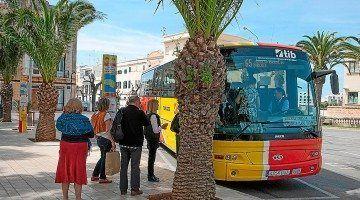 Parada d'Autobusos de la Plaça dels Pins de Ciutadella de Menorca.