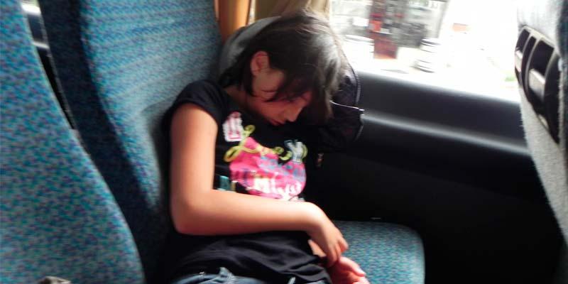 Como dormir en un autobus