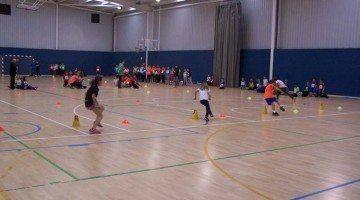 Més de 100 fillets i filletes gaudeixen de la II Trobada d'Atletisme Divertit