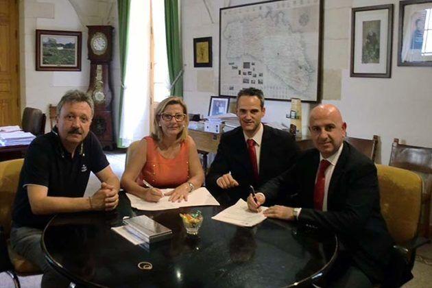 Alaior firma la compra de un coche patrulla