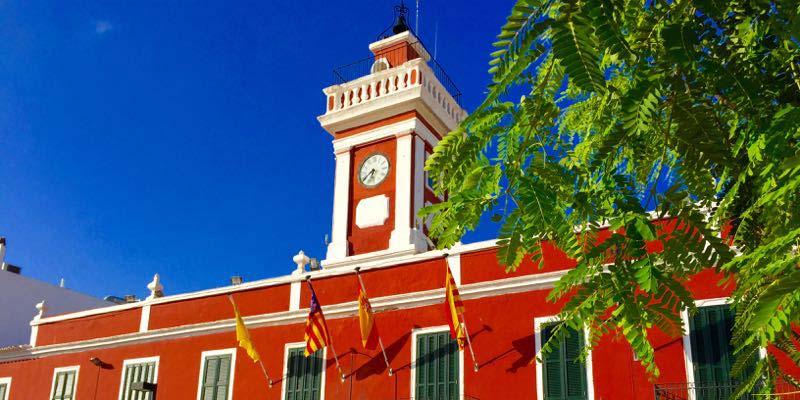 Fachada Ayuntamiento de Es Castell