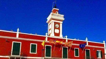 Es Castell celebra el acto institucional de su fundación