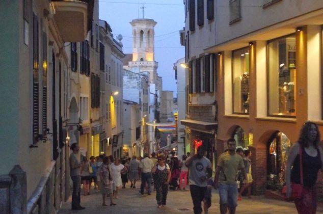 Calle comercial de Maó