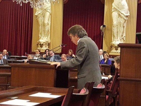Intervención de Xavier Pericay en el Parlament balear