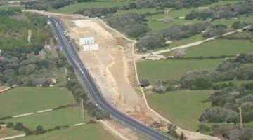 Alaior insta al Consell a millorar la seguretat de la carretera Me1