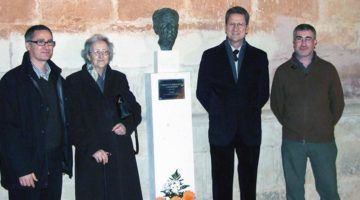 Desaparegut el bust de Borja Moll del pati de Sant Pere